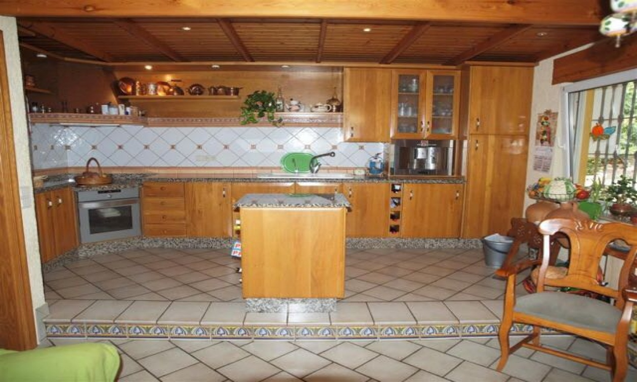 Cajiz, 6 Bedrooms Bedrooms, ,3 BathroomsBathrooms,Chalet,En Venta,1013